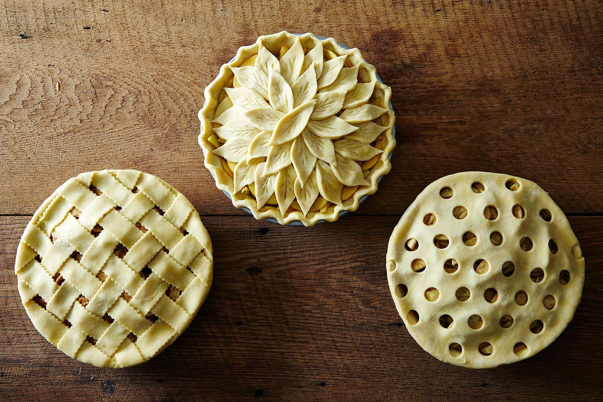 Как украсить пирог тестом