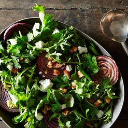 6f696679 738d 43d4 8ffb ff1d0f7008ee  roasted red onions with walnut salad food52 mark weinberg 14 11 04 0198