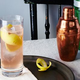 A Classic Gin Cocktail Gets Gussied Up For the Holidays