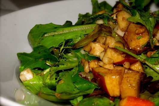 Organic Baby Greens Salad with Apples, Walnuts and Chevre!