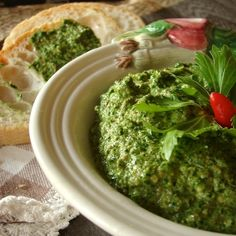 "sauce ""pesto"" of celery and capers"