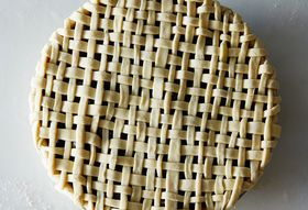 72404cef 8ab6 46f0 b421 5d4996759ba2  2015 0706 how to make pie lattice james ransom 708