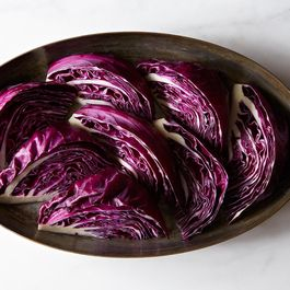 Af379d02-80c8-4e0a-bda2-e149117a1679--2013-1126_nicholas_wintery-braised-red-cabbage-001