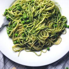 Glorious Greens Pesto & Fresh Peas Spaghetti