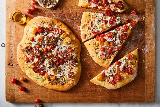 This Indian-Inspired Naan Pizza Will Make a Crust Lover Out of Anyone