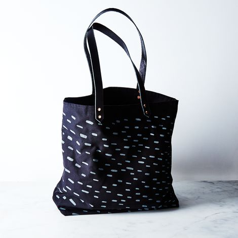 Carryall Tote in Rain Print