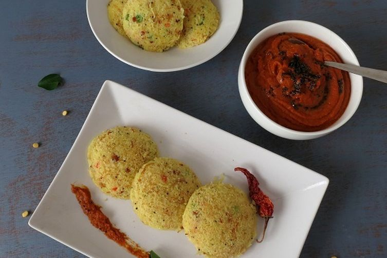 Vermicelli and semolina idli