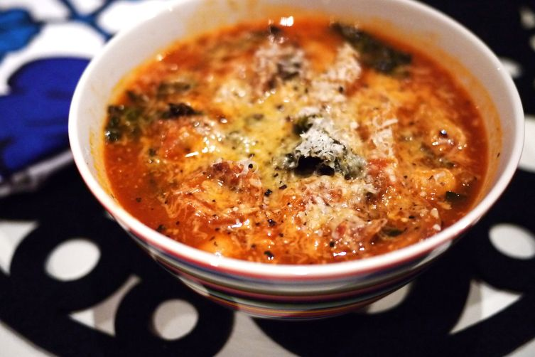 spicy sausage, chickpea, kale, and pasta soup