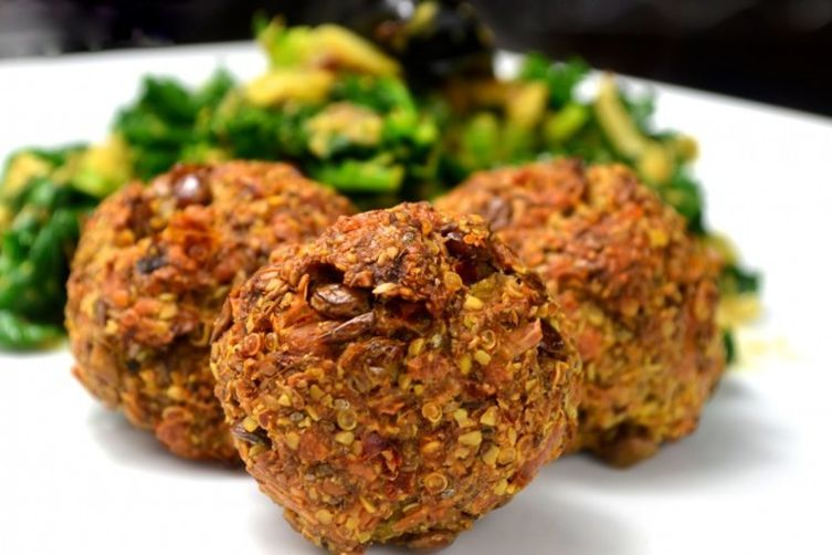 """""""Lentilballs"""" with kale and coconut stir fry"""