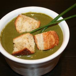 Spinach and Walnut Bisque with Parmesan Chili Croutons