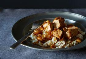 F645d58b d9a6 4715 8bbe d85579a4ae96  nicholas stir fry tofu with peanuts food52 mark weinberg 5858