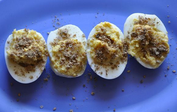 http://images.food52.com/jvCrutmarTgKb3jcrPgpg2b0v0Q=/d71ce33b-cac9-493f-adc2-bb48124c1304--Dukkah_Deviled_Eggs_for_food52.jpg