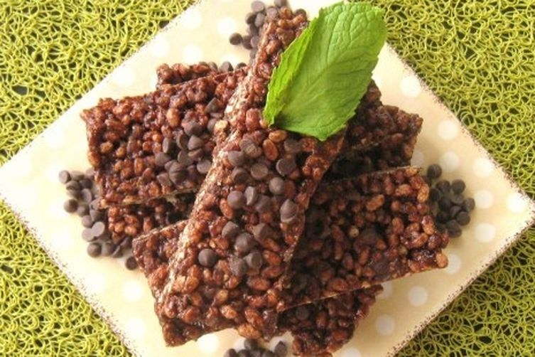 No-Bake Mint Chocolate Chip Bars