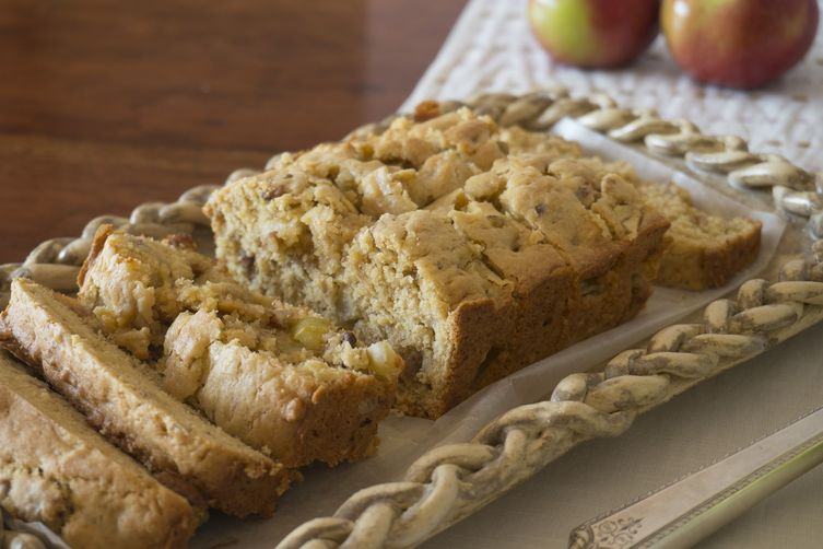 Nini Rice's Apple Bread