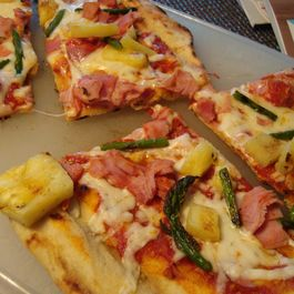 Ham, Pineapple and Asparagus Grilled Pizza