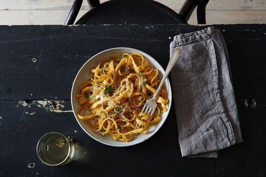 Dinner Tonight: One-Pot Garlic Parmesan Pasta