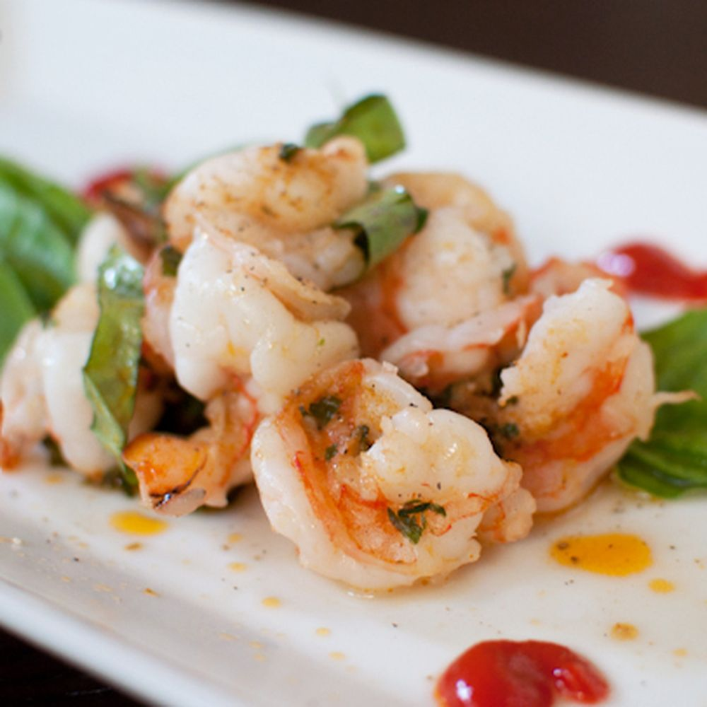 Grilled Shrimp Packets With Basil, Garlic And Red Curry