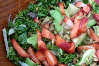 B35b5eb8 e52d 4ef2 a86e 69eb009c73f7  kale avocado sb salad