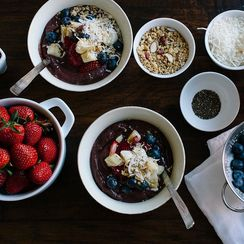 Build Beautiful Smoothie Bowls With These 7 Easy Tricks