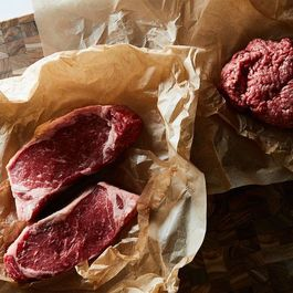 Contrary to Internet Reports, You Cannot Defrost a Steak in Five Minutes