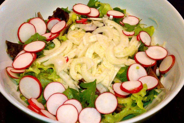 Radish Herb Salad with Tarragon Vinaigrette Dressing