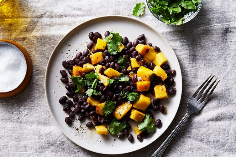 Black Bean With Mango And Chile Powder Salad
