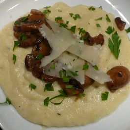 1c1da22b-a613-477c-82ba-94e2e42b6ef4.polenta_with_mushrooms