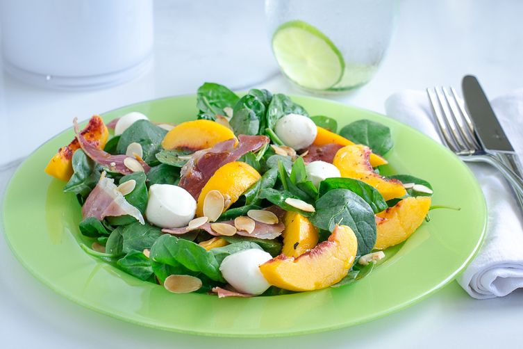 Peach, prosciutto and mozzarella salad
