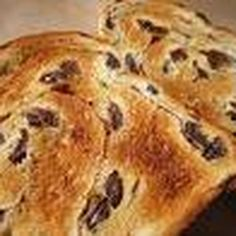 "Oeufs avec gruyere et ""raisin toast"""