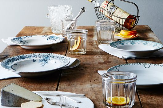 5 Ways to Make Setting a Dinner Party Table So Much Easier