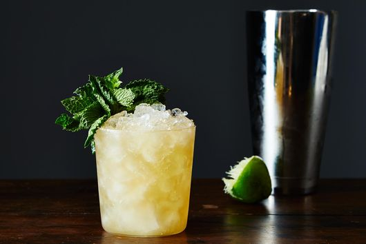 How to Make a Classic Mai Tai