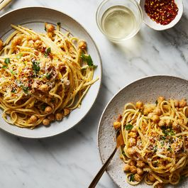 408112a1 e308 4e3f 9b85 20492af1a6c0  2018 0130 chickpeas with linguine 3x2 bobbi lin 7272