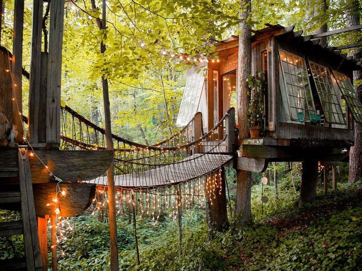 Random treehouse, Airbnb
