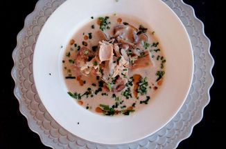 9a4a8c26 e811 4c79 9e61 5c000c1a3a55  image pic musheoom soymilk soup
