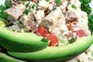 E406c130-8a95-4d49-9f09-876b397163e5--basil_chicken_salad_with_bacon_and_tomatoes