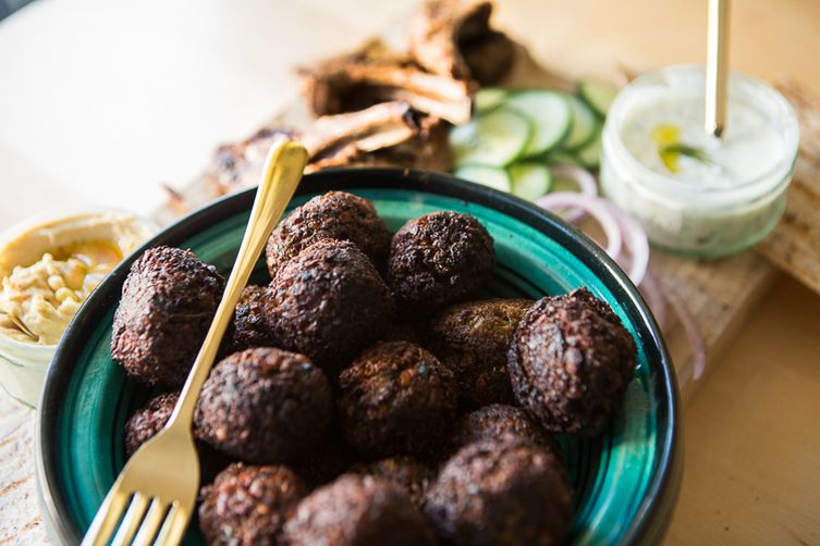 DATES & RAISIN FALAFEL
