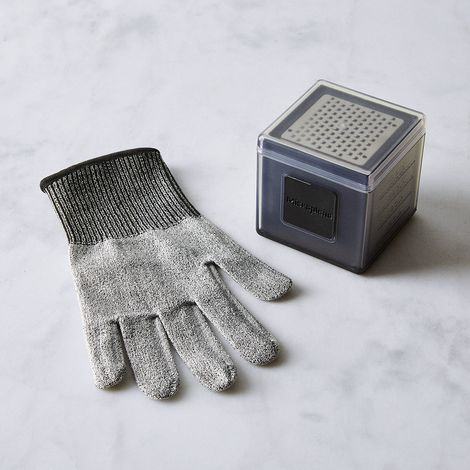 Microplane Cube Grater and Cut Resistant Glove Set