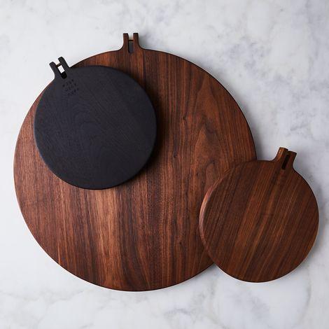 Round Walnut Serving Board & Steel Hook