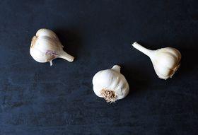 A7f09171 97bc 455d b6e4 9aa2c9357da3  heirloom garlic food52 mark weinberg 14 09 02 0025