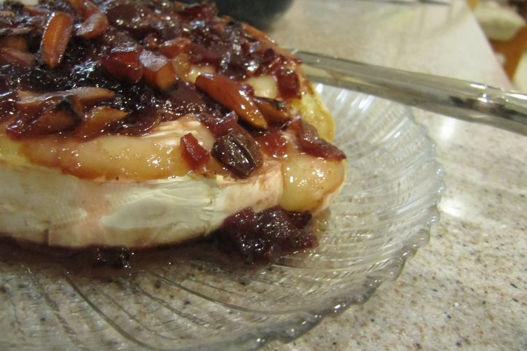 Brie with Cherry-Chipotle Chutney