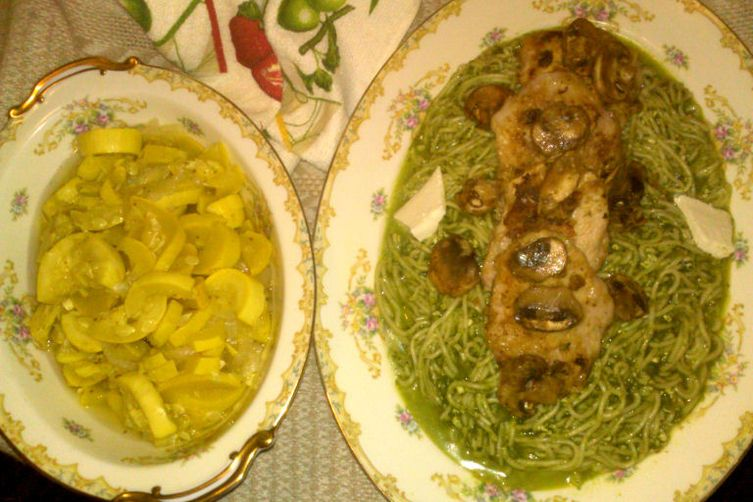 Tallarinas Verdes (Peruvian Green Spaghetti)