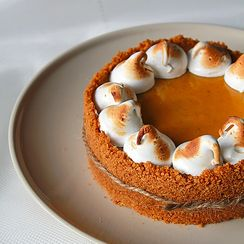 Almost no-bake pumpkin tart