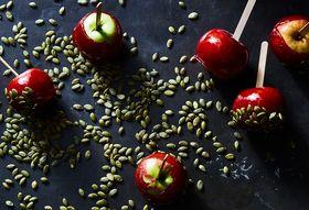 4d9221f4 b18f 44db b517 122f834080c0  2017 1024 spiced candy apples julia gartland 267