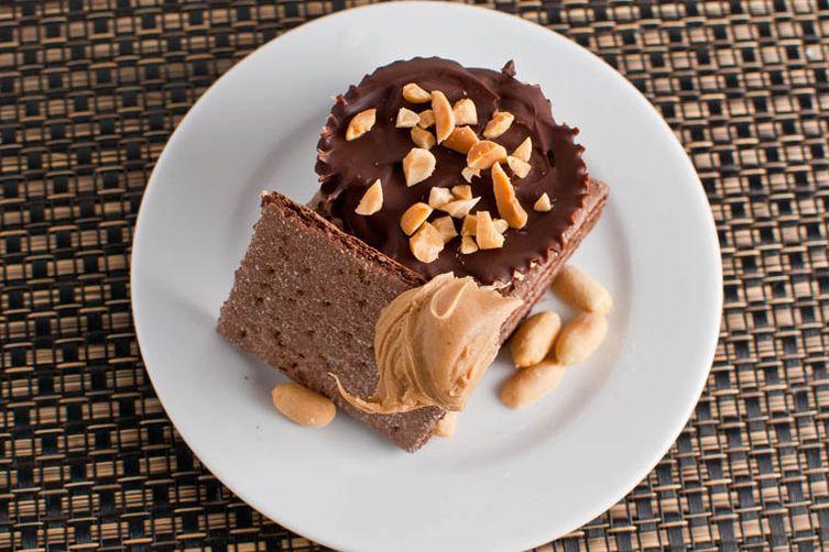 Mini Chocolate & Peanut Butter Tarts