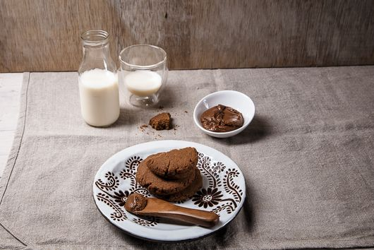 How to Make Your Own Speculoos Cookie Butter