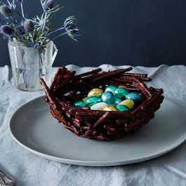 How to Turn Pretzels into an Easter Centerpiece