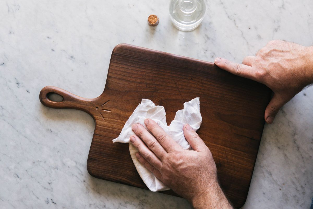 Oiling Amp Finishing Wooden Kitchen Utensils And Cutting