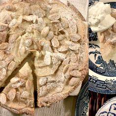 Apple-Almond Yoghurt Cake