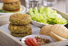 Baked Spicy Chickpea Burgers