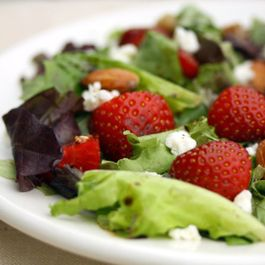 F555a397-ba42-4542-a828-57de05b04a41--strawberrysalad1
